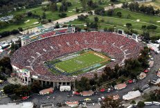 #6: Rose Bowl in Pasadena, USA - 92,542 Seats
